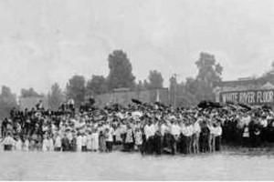 Batismo em Águas, 1920 - Rua Azusa